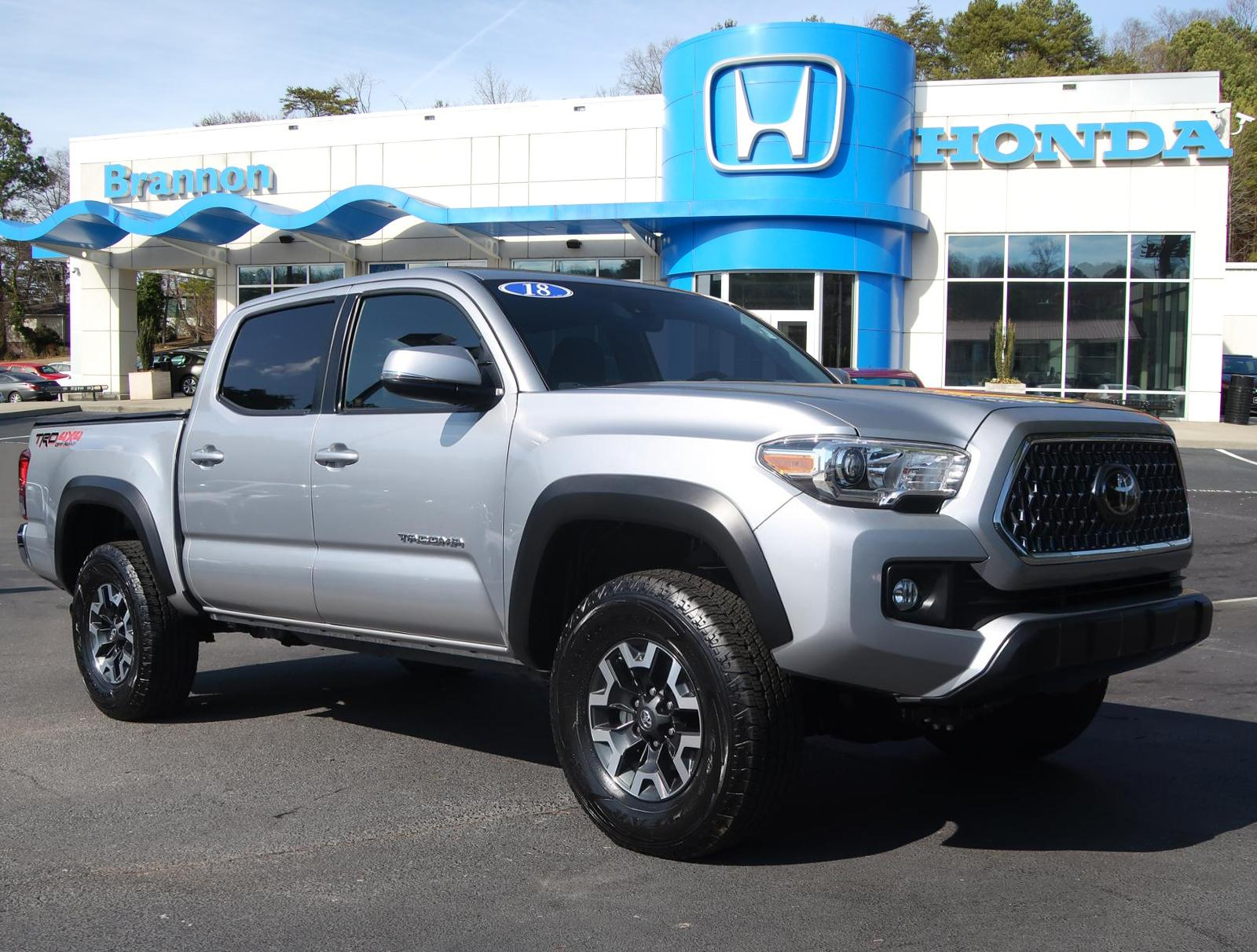 Pre-Owned 2018 Toyota Tacoma TRD Off Road Double Cab 5' Bed V6 4x4 MT (Natl)