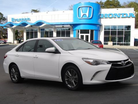 Pre-Owned 2017 Toyota Camry SE Auto (Natl)